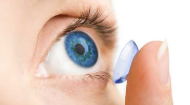 diving-with-contact-lenses-eye