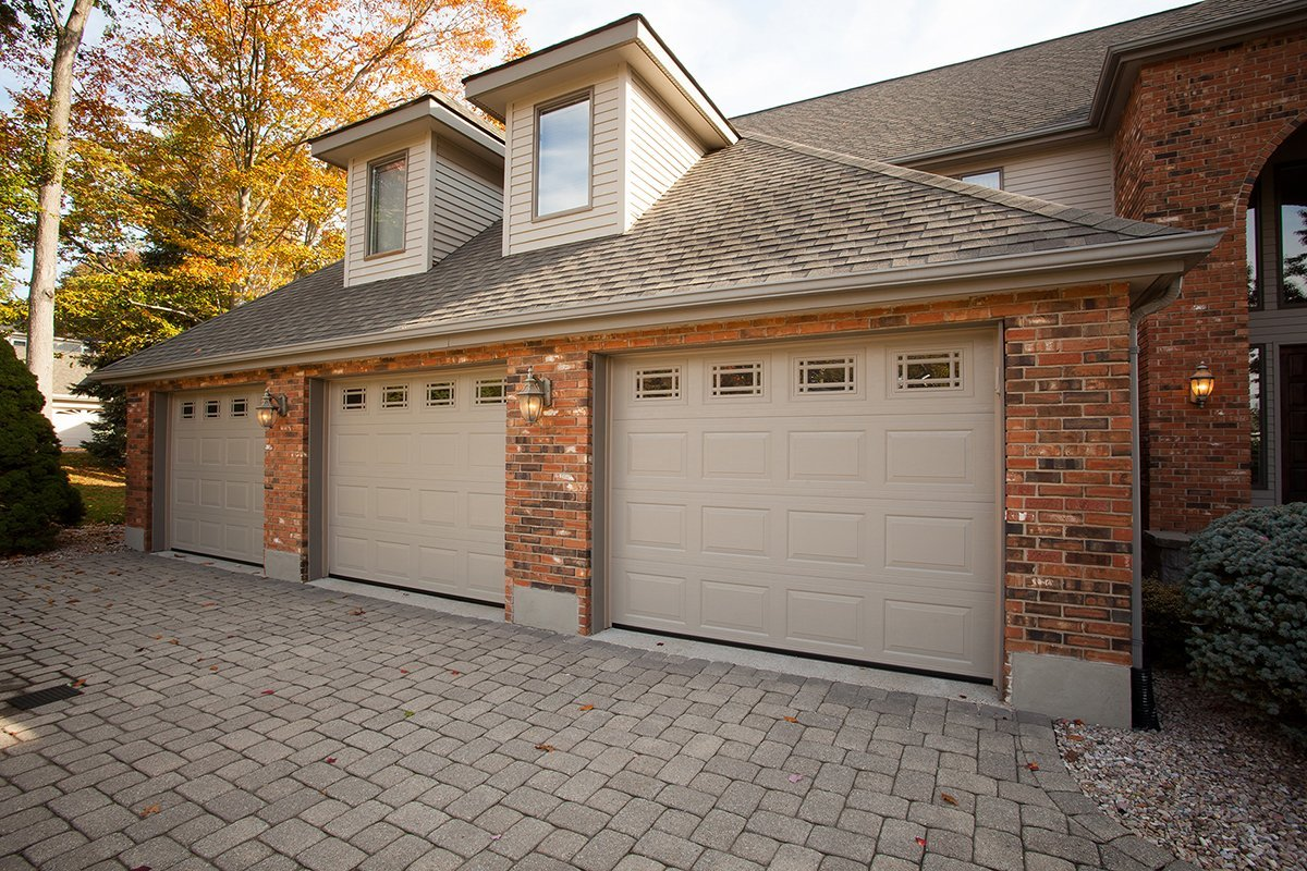 When Are Windows Inserts an Option for My Garage Door?